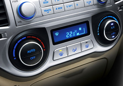 Hyundai i20 Rear AC Control Interior Picture