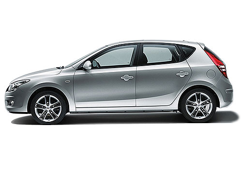 Hyundai i30 Front Angle Side View Exterior Picture
