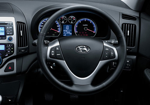 Hyundai i30 Steering Wheel Interior Picture