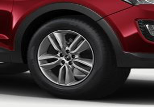 Hyundai Santa Fe Wheel and Tyre Exterior Picture