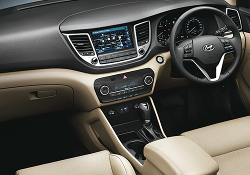 Hyundai Tucson Central Control Interior Picture