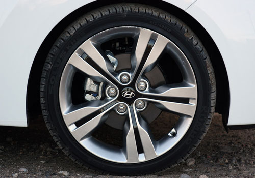 Hyundai Veloster Wheel and Tyre Exterior Picture