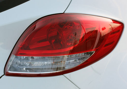 Hyundai Veloster Tail Light Exterior Picture