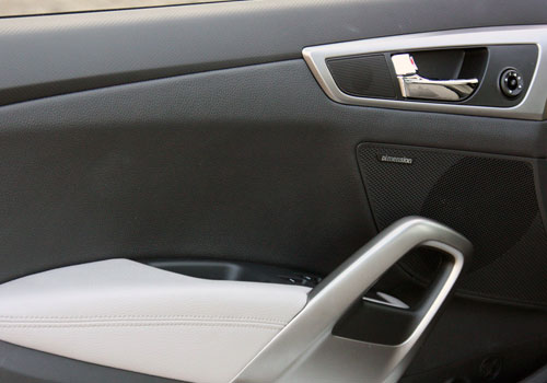 Hyundai Veloster Driver Side Door Control Interior Picture