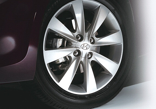 Hyundai Verna Wheel and Tyre Exterior Picture