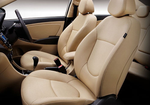 Hyundai Verna Front Seat Picture