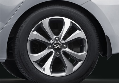 Hyundai Xcent Wheel and Tyre Exterior Picture