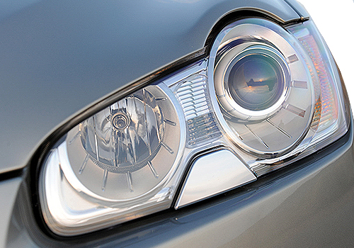 Jaguar XF Headlight Picture