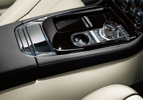 Jaguar XJ Gear Knob Interior Picture
