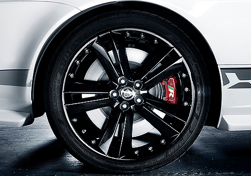 Jaguar XK Wheel and Tyre Exterior Picture