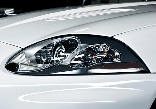 Jaguar XK Headlight Exterior Picture