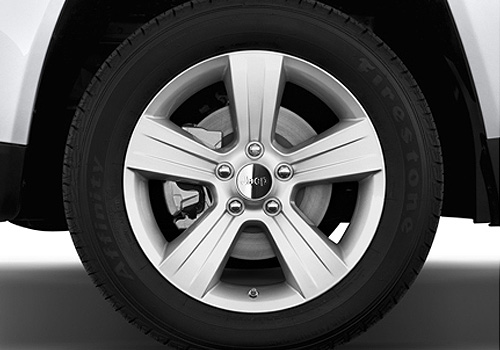 Jeep Compass Wheel and Tyre Exterior Picture