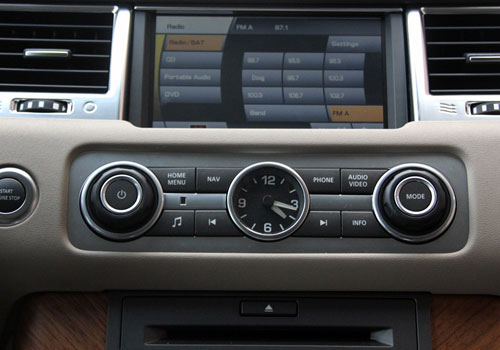 Land Rover Range Rover Sport Stereo Interior Picture