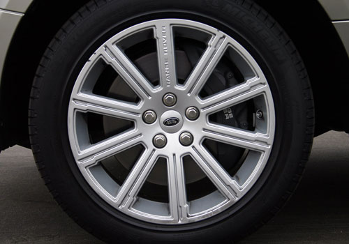 Land Rover Range Rover Wheel and Tyre Exterior Picture