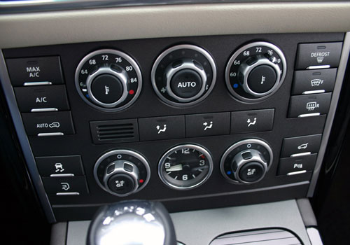 Land Rover Range Rover Rear AC Control Interior Picture