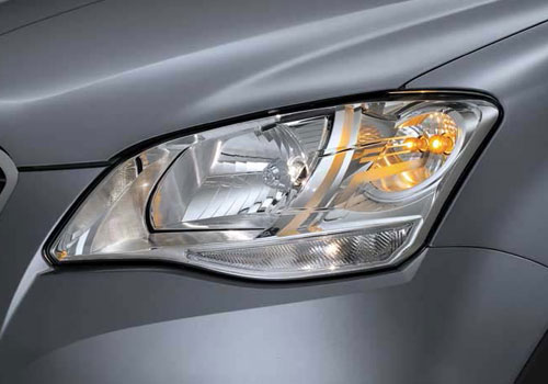 Mahindra Korando Headlight Picture