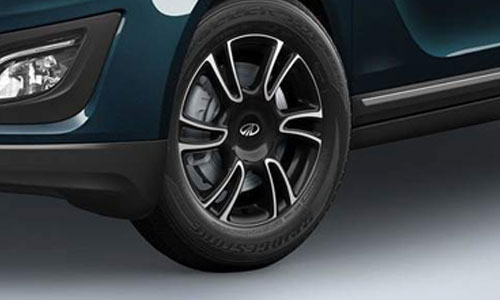 Mahindra Marazzo Wheel and Tyre Exterior Picture