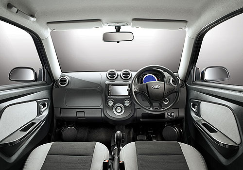 Mahindra Reva E20 Dashboard Interior Picture