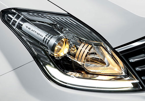 Mahindra Rexton Headlight Picture