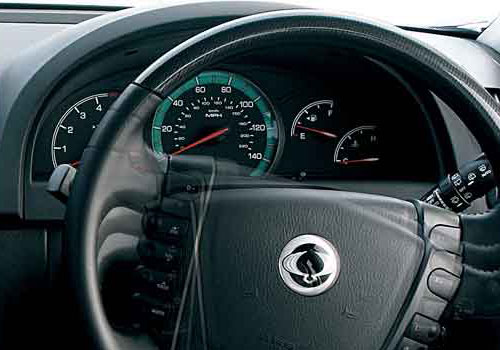 Mahindra Rexton Tachometer Interior Picture