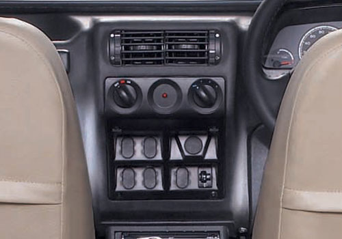 Mahindra Thar Front AC Controls Interior Picture