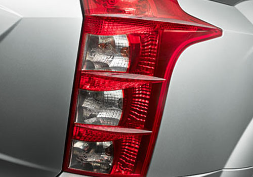Mahindra XUV 500 Tail Light Exterior Picture