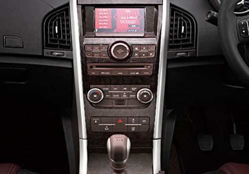 Mahindra XUV 500 Front AC Controls Interior Picture