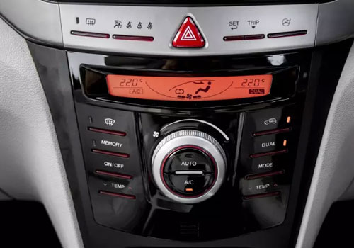 Mahindra XUV300 Front AC Controls Interior Picture