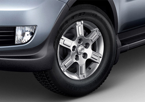 Mahindra Xylo Wheel and Tyre Exterior Picture