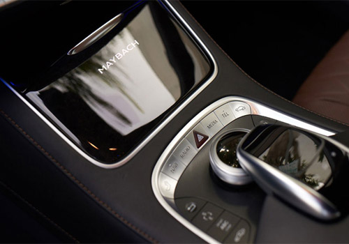 Maybach S600 Media Interface Interior Picture