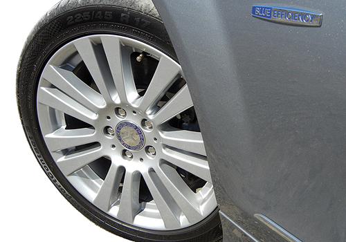 Mercedes Benz C Class Wheel and Tyre Exterior Picture
