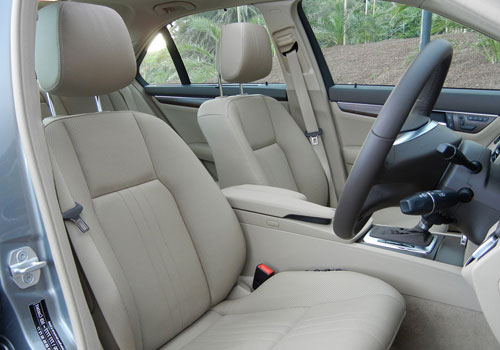 Mercedes Benz C Class Front Seats Interior Picture