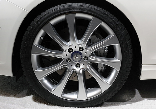 Mercedes Benz CL Class Wheel and Tyre Exterior Picture