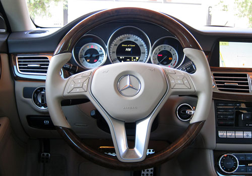 Mercedes Benz CLS Class Steering Wheel Interior Picture