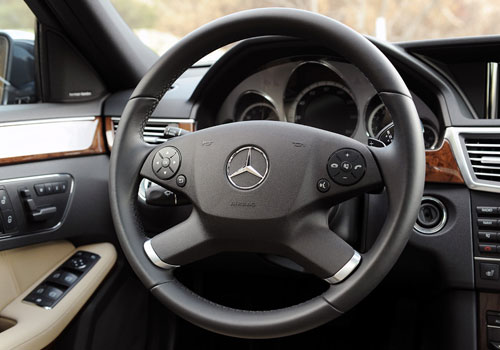 Mercedes Benz E Class Steering Wheel Interior Picture