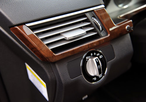 Mercedes Benz E Class Side AC Control Interior Picture