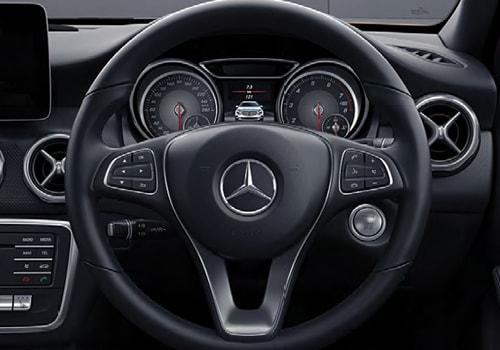 Mercedes benz gla class steering wheel interior picture for Mercedes benz gla class interior