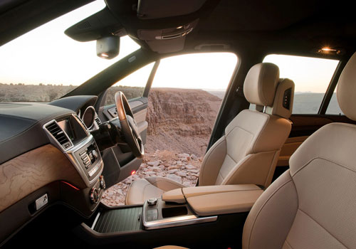 Mercedes Benz M Class Front Seats Interior Picture