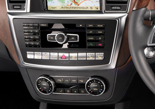 Mercedes Benz M Class Stereo Interior Picture