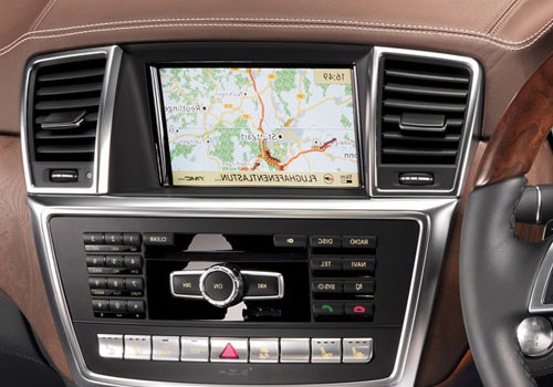 Mercedes Benz M Class Front AC Controls Interior Picture