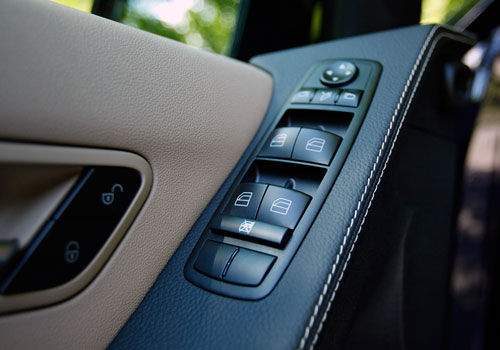 Mercedes Benz R Class Driver Side Door Control Interior Picture
