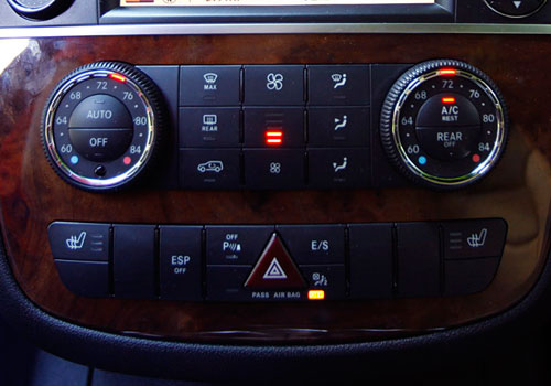 Mercedes Benz R Class Rear AC Control Interior Picture