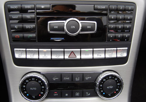 Mercedes Benz SLK Class Stereo Interior Picture