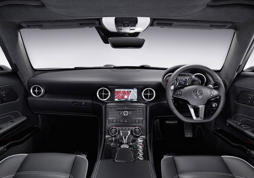 Mercedes Benz SLS Class Dashboard Interior Picture