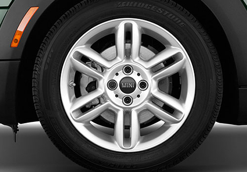 Mini Cooper Convertible Wheel and Tyre Exterior Picture