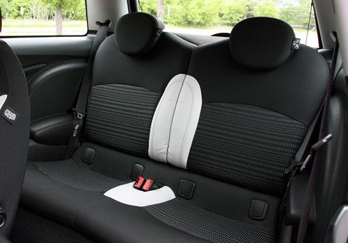 Mini Cooper Countryman Rear Seat Picture