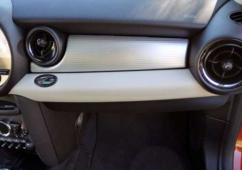 Mini Cooper Countryman Front AC Controls Interior Picture