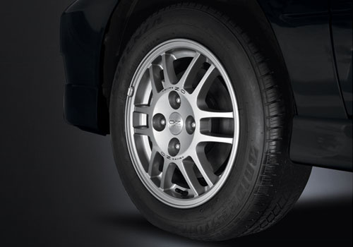 Mitsubishi Cedia Wheel and Tyre Exterior Picture