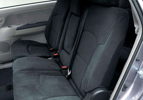 Mitsubishi Grandis Rear Seats Interior Picture