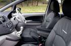 Mitsubishi Grandis Front Seats Picture
